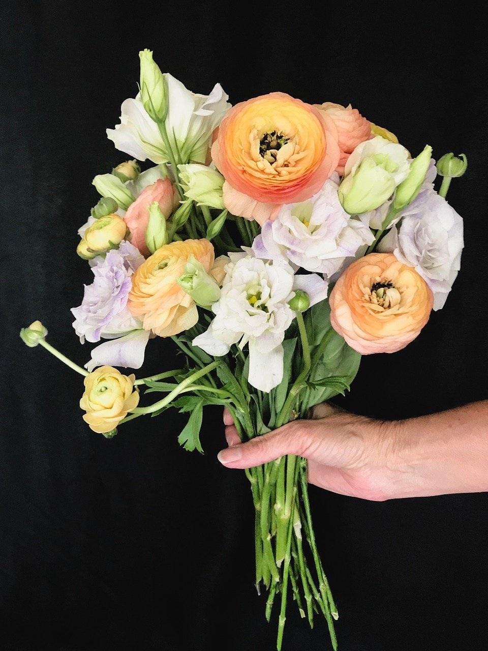 Jakie Kwiaty Na Dzien Babci I Dziadka Blog Poczty Kwiatowej Inc